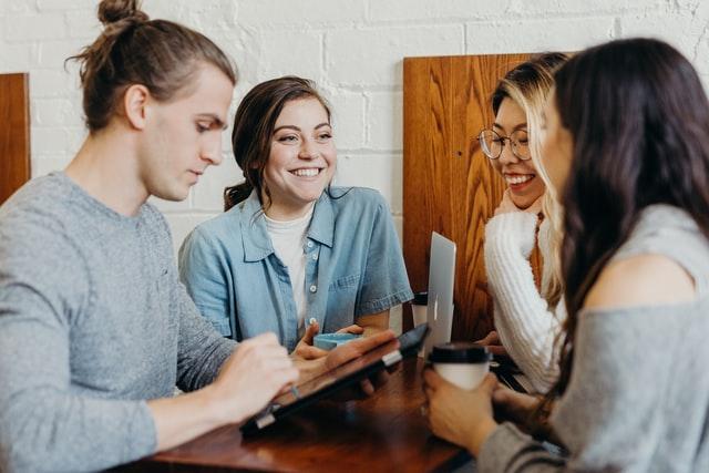 Willen meer jongeren door de COVID-19 uitbraak in de zorg werken?